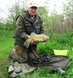 2014-05-02 Steve 4lb 0oz Tench 02
