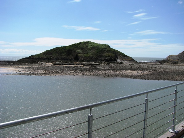 Mumbles Pier And Island 01