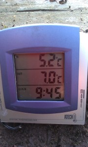 2014-12-16 Thermometer At 0945
