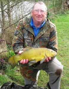 2015-04-17 Steve 3lb 11oz Tench 02