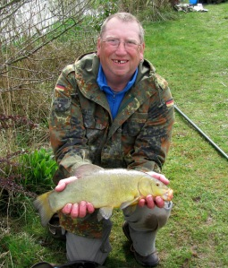 2015-04-17 Steve 3lb 4oz Tench 02