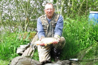 2016-05-20 Valley View - Steve 3lb 4oz Chub 03