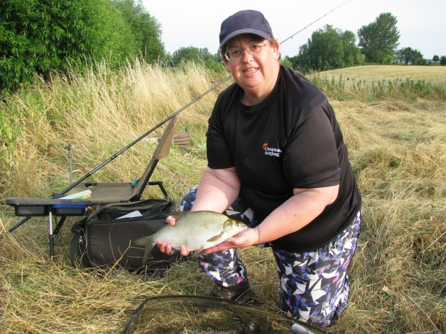 2017-07-17 Liz - 1lb 8oz Bream 02
