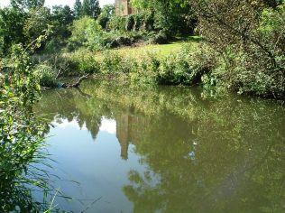 2011-09-17 - Above weir downstream 01